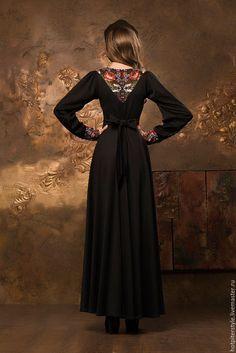 Купить или заказать Платье в Русском стиле в макси длине в интернет-магазине на Ярмарке Мастеров. Платье в Русском стиле , сезон осень-зима-весна. Отделка платья - шерстяной платок. В данный момент эту модель платья не шью !! Работа - для примера! Благодарю Вас за покупки в моём магазине !!