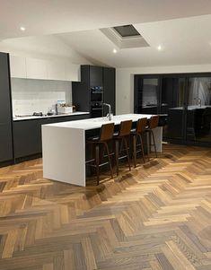 Wood Floor Kitchen, Kitchen Flooring, Parquet Flooring, Dark Wood Floors, Engineered Wood Floors, Modern Kitchen Design, Interior Design Kitchen, Wood Floor Design, Direct Wood Flooring