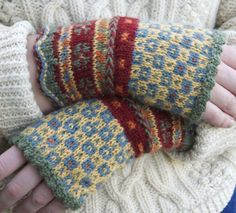 Latvian Fingerless Mitts Knitting pattern by Beth Brown-Reinsel Knitting Kits, Fair Isle Knitting, Knitting Projects, Hand Knitting, Knitting Patterns, Crochet Patterns, Knitting Yarn, Beginner Knitting, Fingerless Gloves Knitted