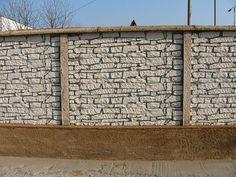 Kerítés magasság: 0,43-2,2m Oszlopok tengelytávolsága: 2,1m Oszlopméret 2m magasságnál: 274x14x14cm, súlya : 110kg /sarki és kezdő is/ Betétméret: 200x5x43cm súlya: 72kg Garage Doors, Outdoor Decor, Carriage Doors