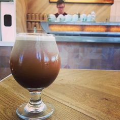 Meet the new cold brew recipe that's taking the coffee world by storm - the nitro brew. Offering up a creamier, sweeter way to drink coffee without any ... Drink Coffee, Coffee Coffee, Nitro Cold Brew, Making Cold Brew Coffee, Nitro Coffee, Coffee World, Coffee Tasting, Summer Drinks, Easy Healthy Recipes