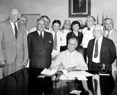 Social Security marks 80 years of helping seniors and the disabled - http://www.snapfon.com/blog/social-security-marks-80-years-of-helping-seniors-and-the-disabled/