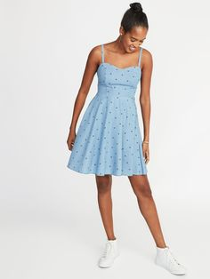 Floral Fit & Flare Cami Dress for Women Navy Dress Outfits, Old Navy Outfits, Toddler Girl Gifts, Preppy Fall, Old Navy Women, Hot Dress, Flare Skirt, Fit And Flare, Summer Dresses