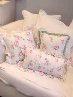 Shabby chic-Another cozy spot to relax calm                                                                                                                                                                                 More