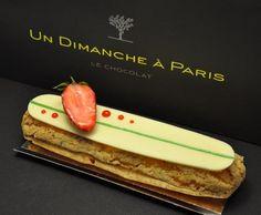 Un dimanche à Paris - Éclair Fraise-Basilic, rafraîchissant à souhait! Pâte à chou croustillante, confit fraise des bois et basilic, crémeux à la fraise.