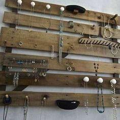 fabriquer portoir présentoir à bijoux avec palettes