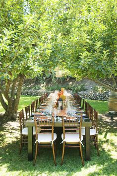 Rancho Las Lomas | Casa Bella king's table under trees