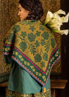 Gudrun, Spring Outfits Women, Colour Schemes, Vera Bradley Backpack, Bohemian Style, Sari, Street Style, Clothes For Women, Collection