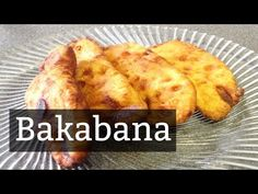 Here is an easy recipe of the famous Surinamese snack, Baka Bana. It's ripe plantain, fried in a batter. It's delicious with the well known peanut sauce. Fruit Recipes, Snack Recipes, Cooking Recipes, Cake Recipe For Decorating, Ripe Plantain, Make Up Cake, Sweets Cake, Caribbean Recipes, Peanut Sauce
