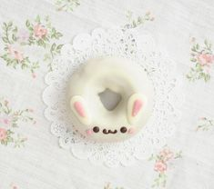 This bunny. 21 Donuts That Look Like Animals Cute Donuts, Mini Donuts, Cute Cookies, Animal Shaped Foods, Chocolates, Kawaii Bunny, Kawaii Dessert, Pastel Cupcakes, Bunny Party