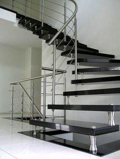#Granit #Treppen sind auch nach Jahrzehnten eine sichere und bequeme Verbindung Ihrer Wohnebenen. http://www.caesarstone-deutschland.com/granittreppen-perfekte-granittreppen
