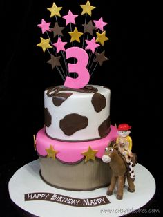 Toy Story Cake – Girl Style but IMO people look weird lol! Crazy Cakes, Fancy Cakes, Cute Cakes, Yummy Cakes, Toy Story Birthday, Birthday Ideas, 7th Birthday, Birthday Cakes, Beautiful Cakes