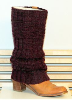 Knitted Boot Cuffs, Knit Boots, Wool Socks, Knitting Socks, Crochet Stars, Knit Crochet, Knitting Patterns Free, Free Knitting, Sewing Basics