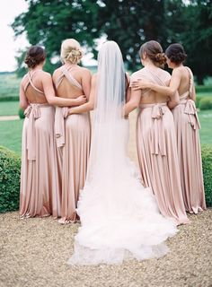 Find the prettiest looks for your girls with twobirds Bridesmaid! Plus, don't miss this giveaway! http://www.stylemepretty.com/southwest-weddings/2016/04/11/stunning-bridesmaid-dresses-with-twobirds-bridesmaid-a-giveaway-2/