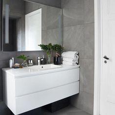 15 Trendy bathroom cabinets over toilet kitchens Boho Bathroom, Bathroom Styling, Bathroom Interior Design, Modern Bathroom, Large Bathrooms, Grey Bathrooms, Small Bathroom, Bad Inspiration, Bathroom Inspiration