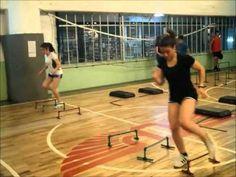 baskeball, handball circuito intermitente entrenamiento - YouTube Plyometric Workout, Plyometrics, Agility Workouts, Gym Workouts, Ladder Workout, Preparation Physique, Volleyball Drills, Netball, Circuit Training