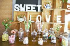 Los tarros de cristal serán todo un acierto... ¡No te compliques! Vía confesionesdeunaboda.blogspot.com.es