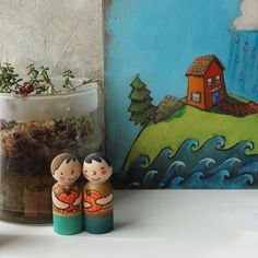 Tinykindtoys on Etsy Two happy peg dolls with nice round pumpkins are available for you to play with, or decorate your shelf. Modern Kids Decor, Green Toys, Wooden Pegs, Wood Toys, Handmade Toys, Etsy Seller, Hand Painted, Imagination, Dolls