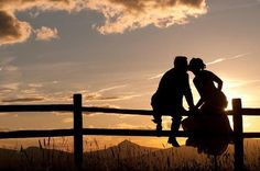 Wedding Pics Country setting, silhouette at sunset. Would make an awesome save the date magnet. Couple Photography, Engagement Photography, Wedding Photography, Wedding Poses, Wedding Couples, Wedding Ideas, Romantic Couples, Sunset Wedding, Dream Wedding