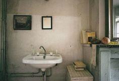 Apt of Marguerite Duras, 1996. Photograph by Lise Sarfati