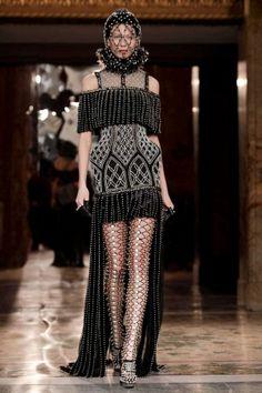 Alexander McQueen Fall Winter Ready To Wear 2013 Paris