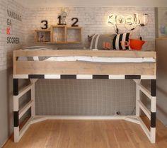 Soccer loft bed. Goal. Mehr