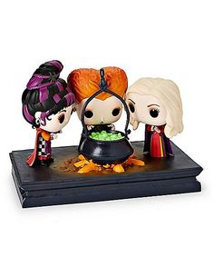 The Sanderson Sisters Funko Pop! Has Put A Spell On Us! Funko has conjured up a wickedly adorable new Movie Moment POP, featuring Hocus Pocus. The Sanderson Sisters Funko Pop! is ready to put a spell on all of Hocus Pocus Halloween Costumes, Spirit Halloween, Halloween Costumes For Kids, Halloween Table, Halloween Signs, Halloween Pictures, Halloween Town, Halloween Stuff, Halloween Halloween