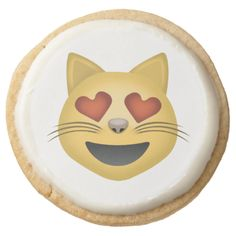 Smiling Cat Face With Heart Shaped Eyes Emoji Round Premium Shortbread Cookie