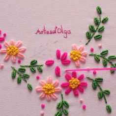 Bordado Brasileño In this video I show you how to embroider a Brazilian embroidery with rococo stitch. Ribbon Embroidery Tutorial, Basic Embroidery Stitches, Hand Embroidery Videos, Embroidery Flowers Pattern, Flower Embroidery Designs, Creative Embroidery, Simple Embroidery, Learn Embroidery, Silk Ribbon Embroidery