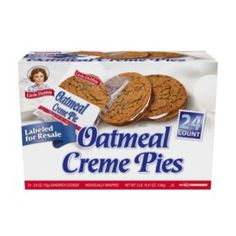oatmeal cream pie barshow to it in your mouth fast enough oatmeal cream pie quest nutrition protein bar oatmea Gourmet Recipes, Snack Recipes, Oatmeal Creme Pie, Baking Business, Oatmeal Cookies, Oreo Cookies, Sandwich Cookies, Melting Chocolate, Pop Tarts