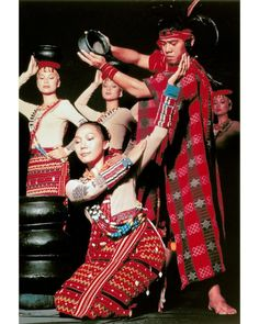 phillipines my mom can dance to this Folk Dance, Dance Art, Filipino Culture, Filipino Art, Folk Costume, Costumes, Model Minority, Filipino Fashion, Cultural Dance