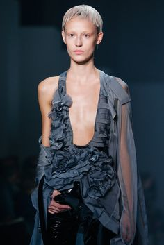 Haider Ackermann Spring 2015 Ready-to-Wear Fashion Show Details