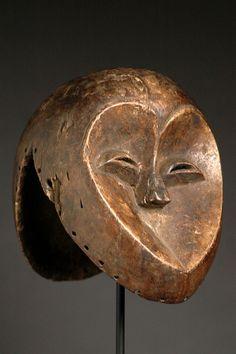 ARTENEGRO Gallery with African Tribal Art »