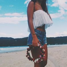Cropped tops flower crown