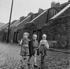 Down The Tyne - pub. October 1950 (Photo by Bert Hardy/Picture Post/Hulton Archive/Getty Images) Reminds of of where my Grandmother lived. Photographs Of People, Vintage Photographs, Vintage Photos, North Shields, Industrial Photography, Boy Pictures, Urban Life, British History, Black And White Photography