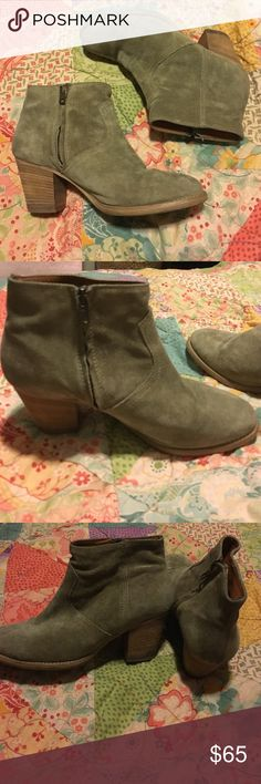Madewell booties!! Madewell booties in a size 8! They are suede, have a zipper on the side, and a small heel. Have been warn but no major damages! Super comfortable and hit right at the ankle! Madewell Shoes Ankle Boots & Booties