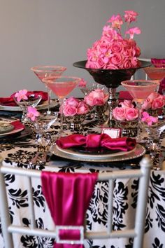 Hot pink black and white wedding table setting. Love the black and white damask table cloth. White Damask, Pink White, Hot Pink, Black White, Pink Damask, Deco Rose, White Centerpiece, Damask Wedding, Wedding Table