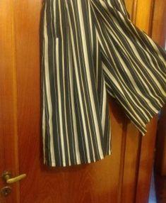f67ff34ae04dd3423e21c34d62c4e695 Striped Pants, Fashion, Style, Moda, Stripped Pants, Fashion Styles, Striped Shorts, Fashion Illustrations, Stripe Pants