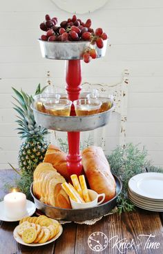 Tiered Stand Serving Center - Knick of Time Diy Kitchen Decor, Diy Home Decor, Kitchen Ideas, Christmas Buffet, Country Christmas, Christmas Time, Christmas Crafts, Vintage Baking, Old Picture Frames