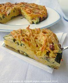Un'ottima frittata di pasta al forno è la ricetta di oggi resa gustosa dalla pancetta affumicata e dalle zucchine Ricetta primo piatto La cucina di ASI