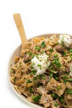 Whole Wheat Pasta with Sausage, Peas and Ricotta - A fast and healthy one-pot pasta recipe