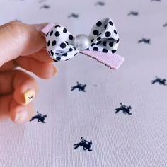 Ribbon Hair Bows, Diy Hair Bows, Diy Bow, Diy Ribbon, Ribbon Crafts, Flower Crafts, Embroidery Floss Crafts, Hand Embroidery Flowers, Ribbon Flower Tutorial