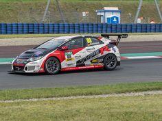 RACEtoFACE: Honda-Pilot Oestreich mit Debütsieg in der ADAC TC...