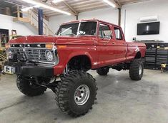 I absolutely fancy this color selection for this lifted ford truck Ford Trucks For Sale, Ford Pickup Trucks, 4x4 Trucks, Diesel Trucks, Lifted Trucks, Cool Trucks, F150 Lifted, Custom Trucks, Ford Diesel