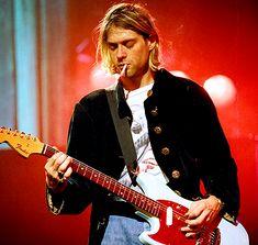 Kurt Cobain ❤ uploaded by D e l i l a h on We Heart It Pretty Men, Beautiful Men, Cortney Love, Mtv Live, G Herbo, Donald Cobain, Nirvana Kurt Cobain, Alice In Chains, Old Love