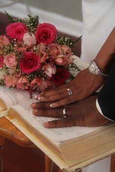 Gorgeous bouquet of mixed pinks #chapelatthepark #gatlinburg #weddings #flowers