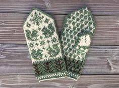 リスとどんぐりのミトン *リーフグリーン*|手袋・ミトン|takeko|ハンドメイド通販・販売のCreema Fair Isle Knitting, Knit Mittens, Creema, Fiber Art, Knitwear, Knit Crochet, Gloves, Weaving, Stitch
