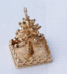 Vintage Pom 14k Gold Christmas Tree on Pedestal Charm Bracelet | eBay..