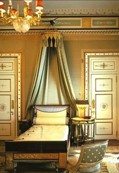 Pretty bed crown in the Empire style at #Vizcaya #bedroom