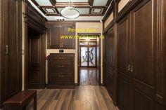 Коридор - английская классика-реализованный проект - дизайнер Регина Урм Kitchen Cabinets, Wood, Interior, Furniture, Home Decor, Decoration Home, Woodwind Instrument, Indoor, Room Decor